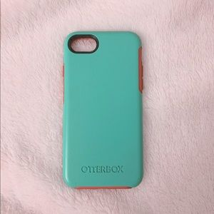 Accessories - ✨ iPhone 7 Otterbox Phone Case! ✨